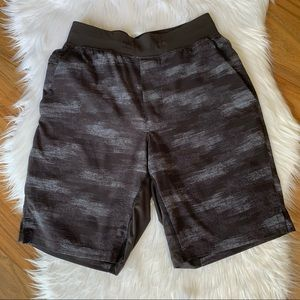 """Lululemon T.H.E. Short 9"""", Black & gray, XS"""